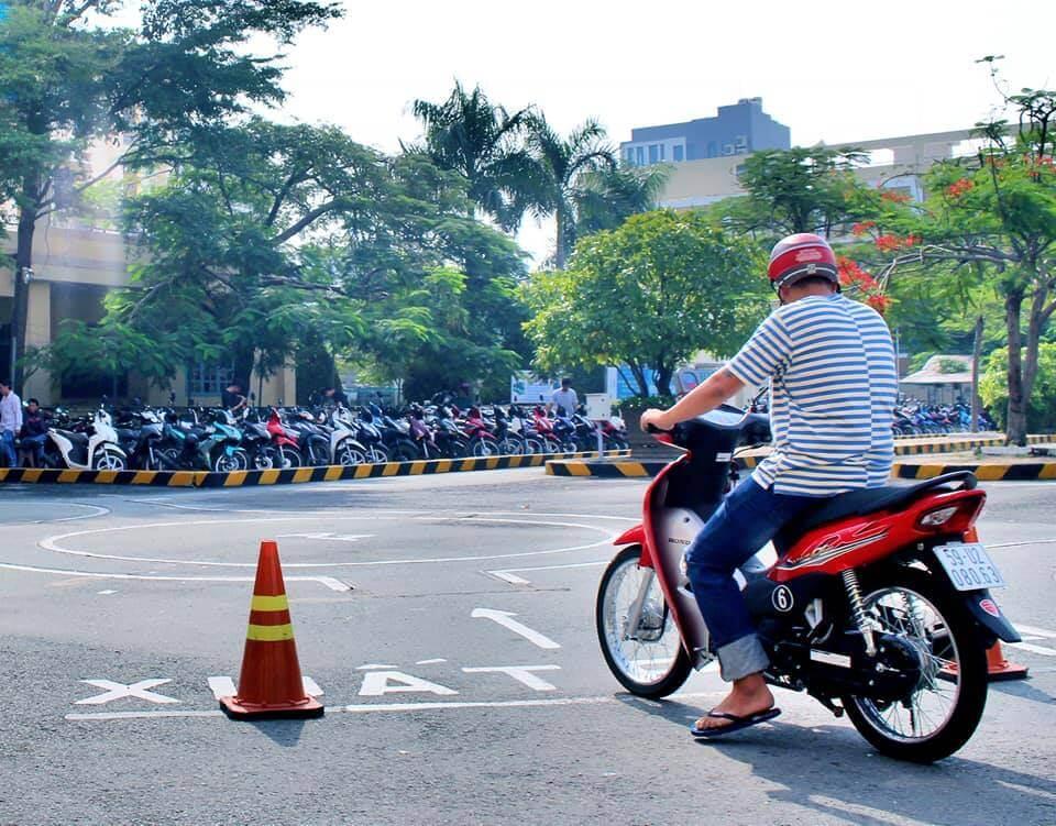 Đăng ký thi bằng lái xe máy cho người nước ngoài như thế nào?