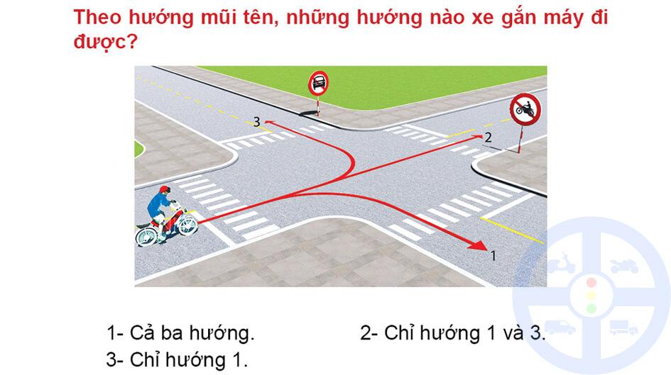 Theo hướng mũi tên, những hướng nào xe gắn máy đi được?